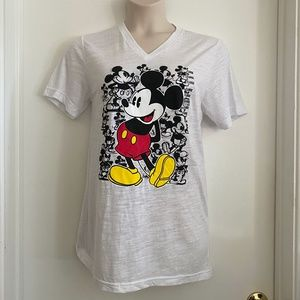 ***BUNDLE DEAL*** 2 for $20 Disney Mickey T…